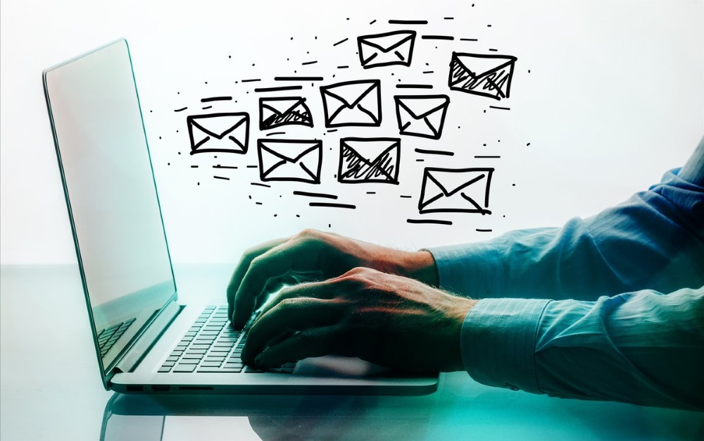 Ajouter pièce jointe email woocoomerce
